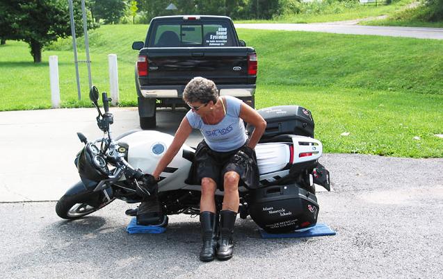 Как поднять тяжелый мотоцикл